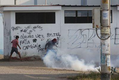 Sigue la tensión entre campesinos y policías en Perú por falta de ley agraria