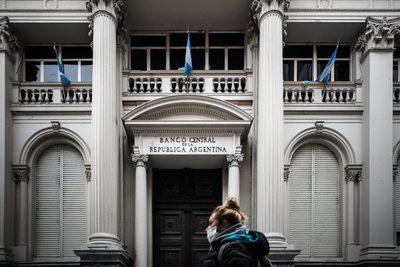 La deuda de Argentina sube a 272.852 millones de dólares en el tercer trimestre
