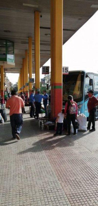 Covid-19: Unas 20.000 personas por día viajan al interior para Navidad, según TOA