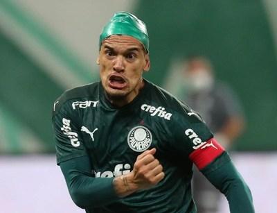 Gustavo Gómez anota para Palmeiras