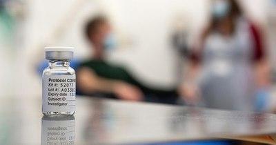 La Nación / Oxford y AstraZeneca presentan vacuna al regulador del Reino Unido