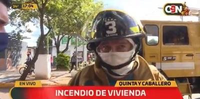 Bomberos controlan incendio en vivienda de Asunción
