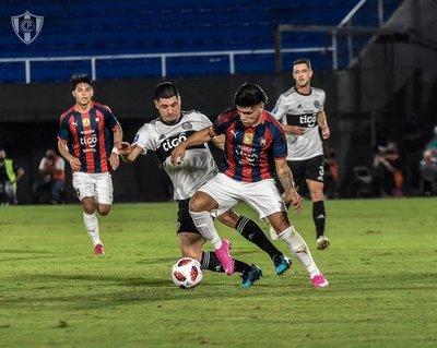 Cerro Porteño tuvo la posesión, pero Olimpia fue más directo