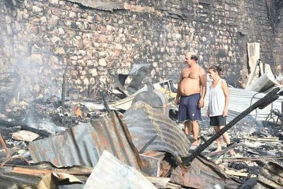 Dispondrán albergue provisorio en plaza para familias afectadas por incendio