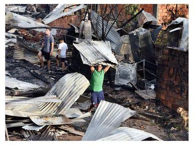 Incendio en la Chacarita fue a causa de fuegos pirotécnicos