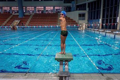 """Niño de 10 años, sin brazos, """"Deportista del Año"""" en Bosnia"""