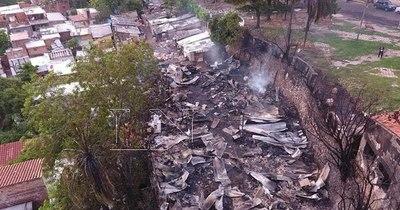 La Nación / Incendio en Chacarita: MUVH iniciará plan de reubicación para afectados