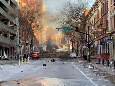 La explosión de Nashville (EEUU) vino de un vehículo que avisaba de una bomba