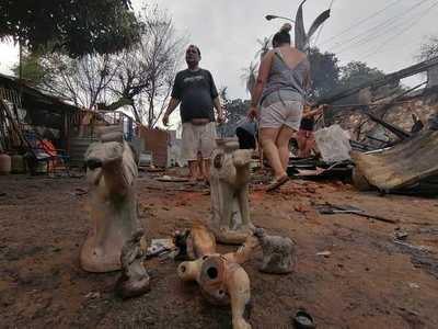 Incendio en la Chacarita: Afectados deben ser trasladados a un lugar definitivo con mejores condiciones, según senador
