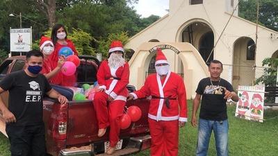 Gobernador de Guairá repartió regalos a niños de asentamientos