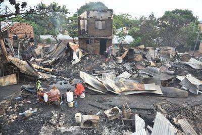 Incendio en la Chacarita: 96 familias y unos 500 afectados