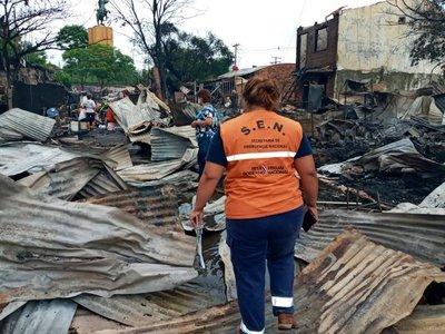 SEN asistió a familias afectadas por grave incendio en La Chacarita
