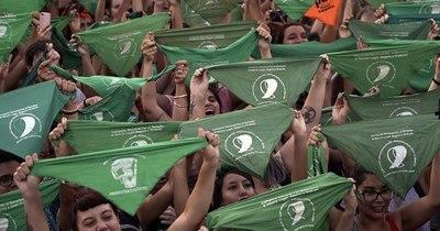 La Nación / Un Senado polarizado decide si legaliza el aborto en Argentina