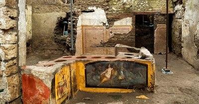 """La Nación / Descubren en Pompeya un termopolio, """"fast-food"""" antiguo, intacto"""