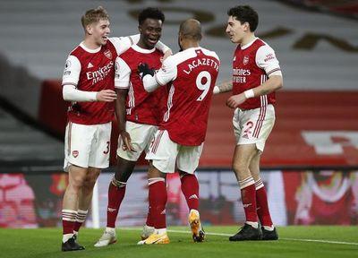 Arsenal frena su caída con triunfo ante Chelsea
