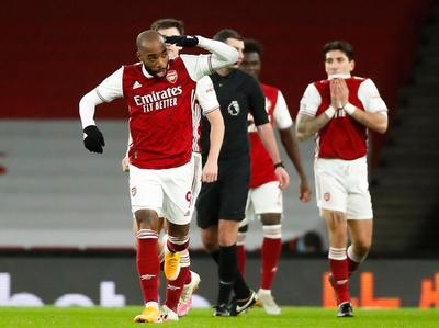 Arsenal acaba con la sequía ganándole al Chelsea