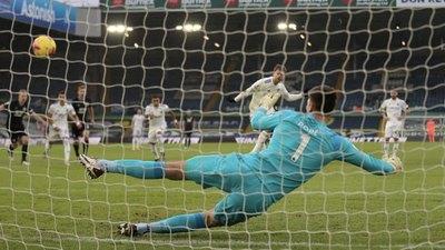 El Leeds de Bielsa abre vuelve a ganar y sale de la zona peligrosa
