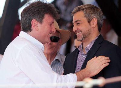 Piden destituir a Denis Lichi de Petropar por justificar el latrocinio
