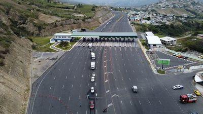 Ecuador exige prueba PCR negativa a viajeros internacionales