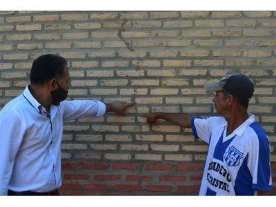 Denuncian pésima construcción de viviendas en Edelira