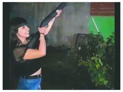 Piden castigo para chica que disparó al aire con escopeta