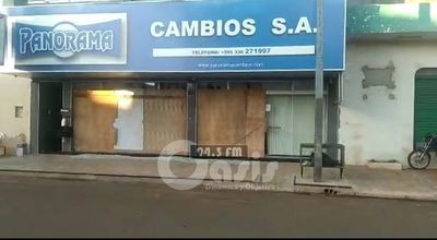 Atentan con fusil locales de Casa de Cambios en Pedro Juan
