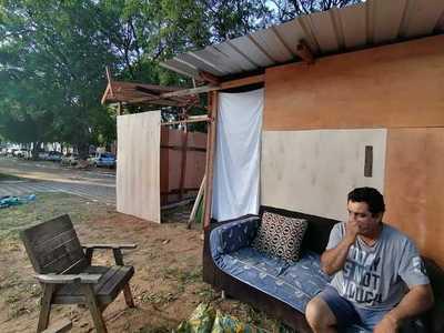 """Chacariteños piden reubicación: """"Estamos estorbando pero tenemos que vivir ahí porque no tenemos remedio"""""""