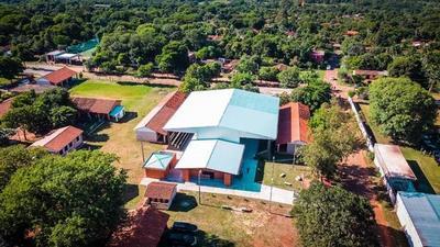 Con recursos de Yacyretá, Gobierno renueva instalaciones de colegio en Paraguarí