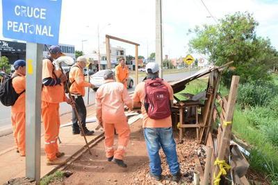 Avenida Perú: Comuna derribó casillas de vendedores informales