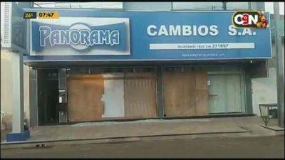 Dos casas cambiarias atacadas con disparos de fusil en Pedro Juan Caballero