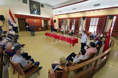 Cartes aplaude labor de Oficina de Empleos de la ANR y agradece a empresarios que dieron trabajo a compatriotas