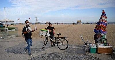 La Nación / Rio de Janeiro bloqueará el acceso a sus playas la noche del 31