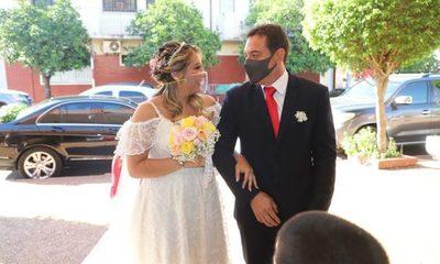 ¡Ña Norma he'i que Colorado Gamarra no puso un peso para boda de su hija!