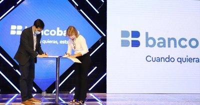 La Nación / HC Innovations y Banco Basa firman convenio para acceder al dispositivo OrCam