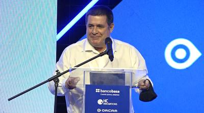 OrCam: HC Innovations y Banco Basa firman importante convenio