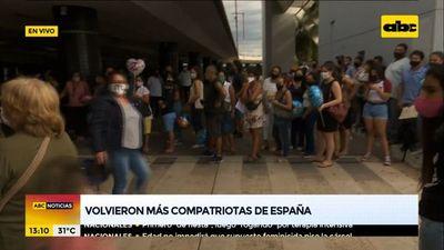 Volvieron más compatriotas desde España
