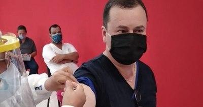 La Nación / Vacuna contra el COVID-19 llegó a Clorinda, mientras Paraguay sigue negociando