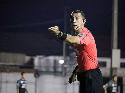 Juan Benítez, el árbitro de la final