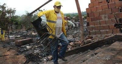 La Nación / Autoridades buscan solución habitacional definitiva para afectados por el incendio