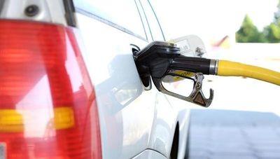 Japón aspira a eliminar del mercado vehículos a gasolina para el 2035
