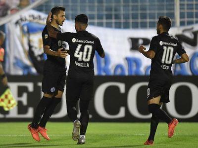 Ángel Romero anotó en el triunfo de San Lorenzo