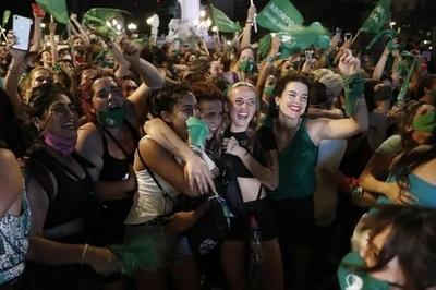Senado argentino sanciona la legalización del aborto