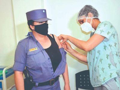 Pasarán hacia Argentina para vacunarse contra el COVID