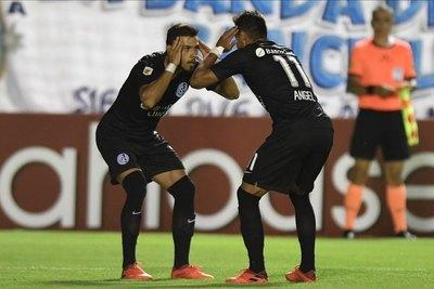 Con gol de Ángel Romero, San Lorenzo aplastó a Atlético Tucumán