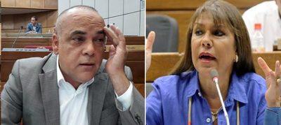 Ánimos caldeados en Diputados. Celeste Amarilla amenaza con escribano a Bachi Núñez