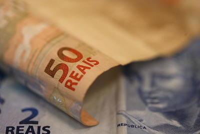 El déficit fiscal de Brasil sube un 140 % hasta noviembre y la deuda se reduce