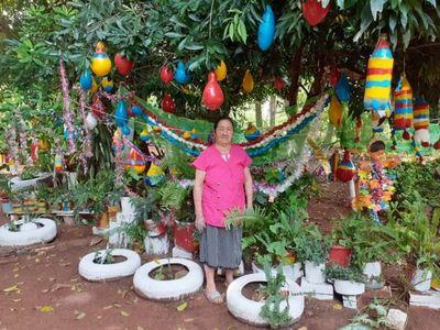 Abuelita convierte su casa en un enorme pesebre