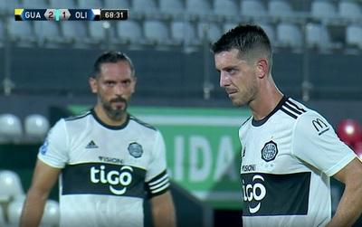 Alejandro Silva, de penal, empareja el partido entre Guaraní y Olimpia