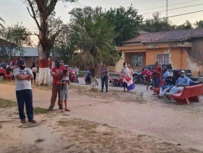 Comerciantes de Ñeembucú, decepcionados de autoridades · Radio Monumental 1080 AM