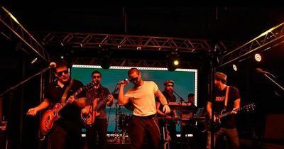 Kchiporros ofrecerá show desde la medianoche por Unicanal